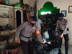 Brimob Batalyon C Pelopor  Bone Bantu Korban Kebakaran di Kecamatan Ulaweng